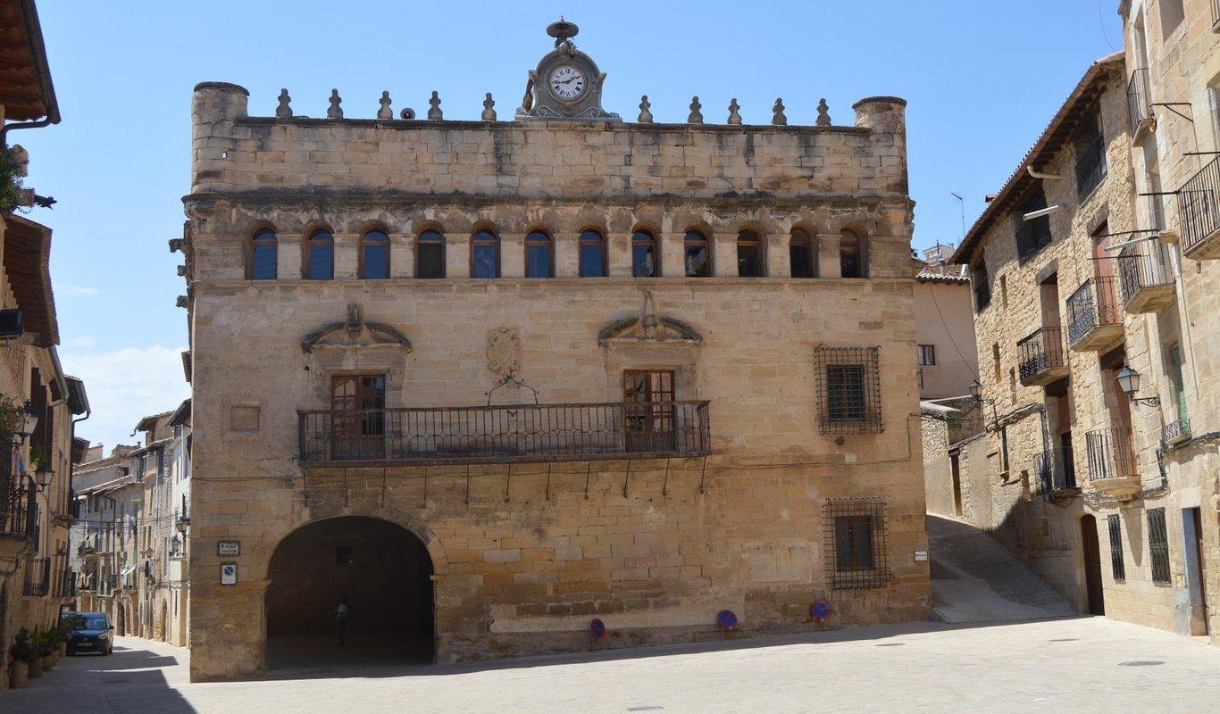 """Críticas hacia la """"catalanización"""" de un pueblo de Teruel"""