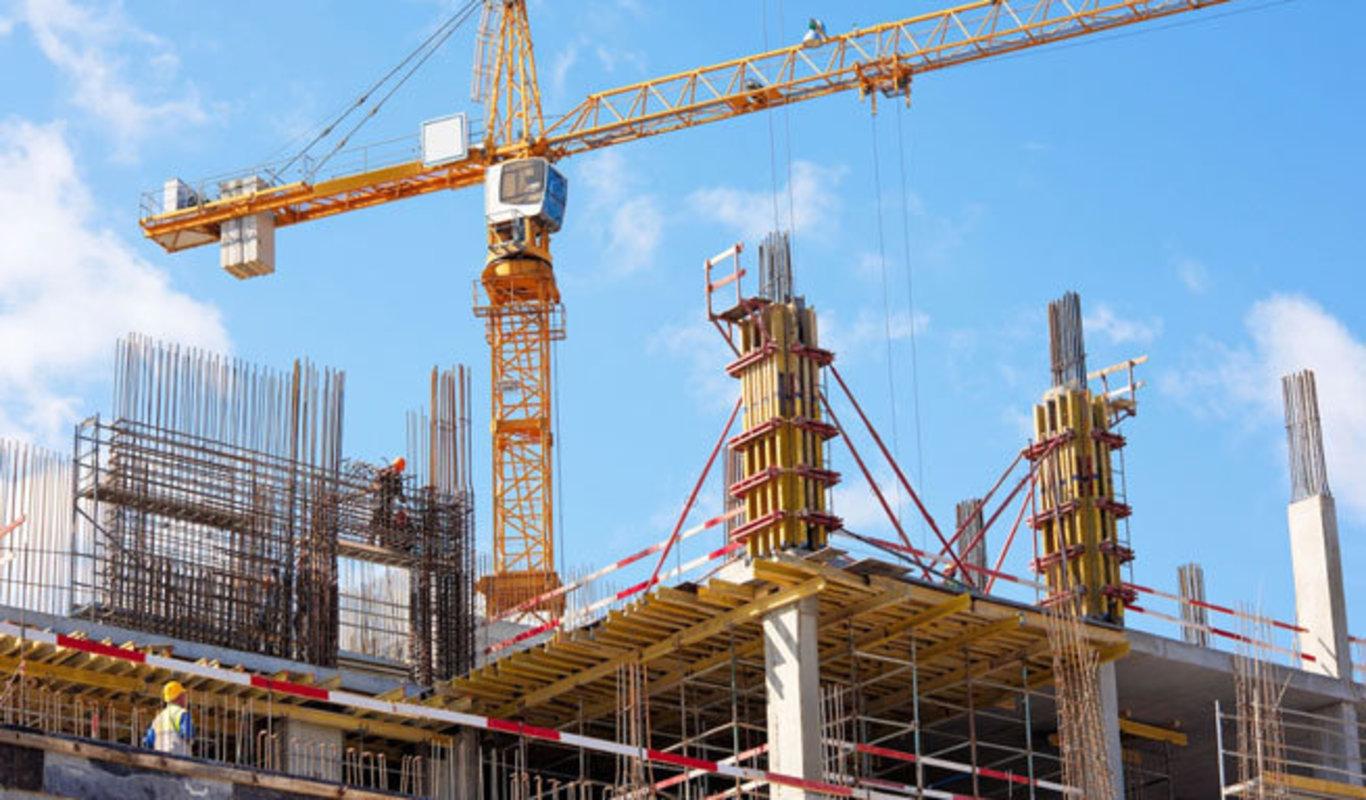 Bloque de pisos en construcción.