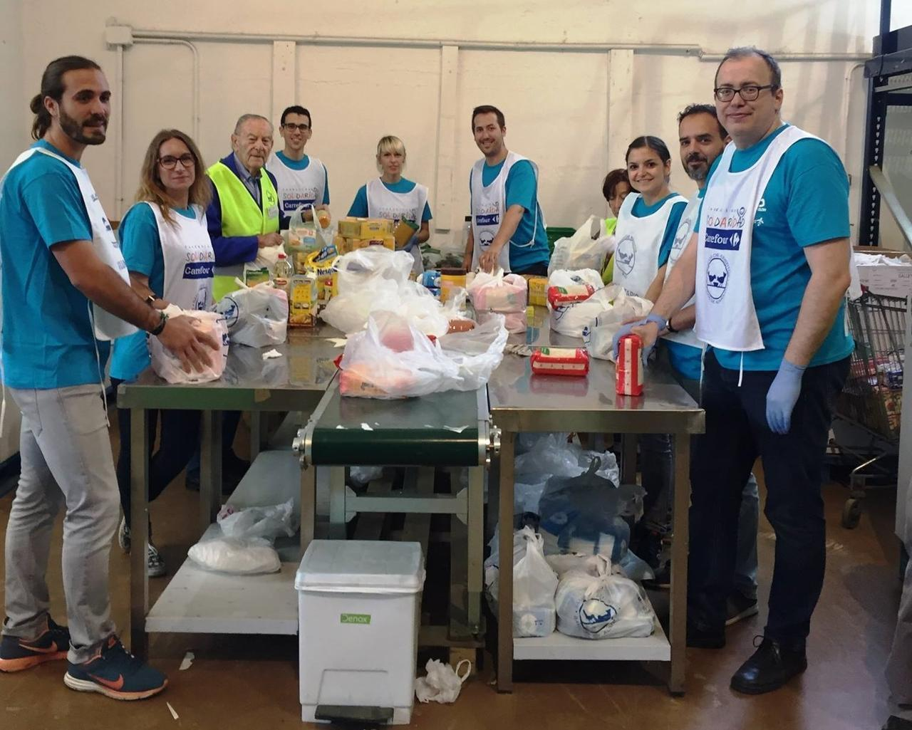 Voluntarios para recogida de alimentos madrid